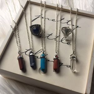 Jewelry - Bundle of 5 crystal necklaces and 2 rings